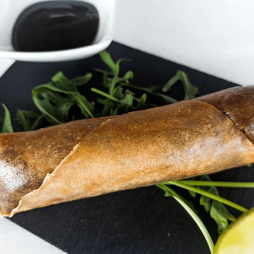 Rollito de pato con salsa hoisin